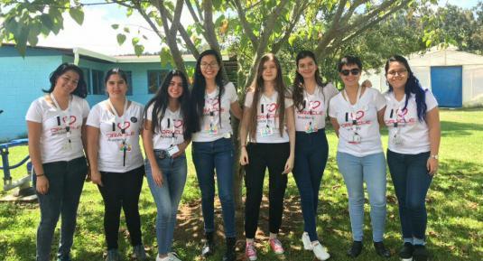 Estudiantes de la ECCI Gloriana Mora, María Peraza, Reichel Mora, Ivania Calderón,  Andrea Alvarado, Hannia Aguilar, Hellen Fernández y Lucía Elizondo